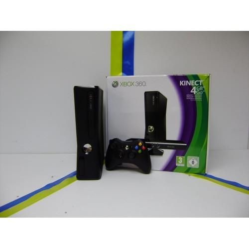 Microsoft Xbox 360 Console 4GB Pal With Kinect Bundle PAL  UN MODDED