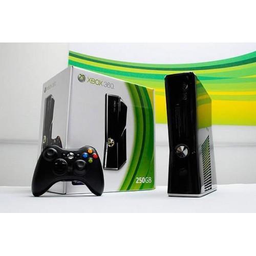 Xbox 360 250 GB Console Pal
